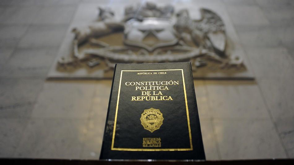 Oposición y oficialismo darían a conocer este viernes la comisión técnica para la nueva Constitución