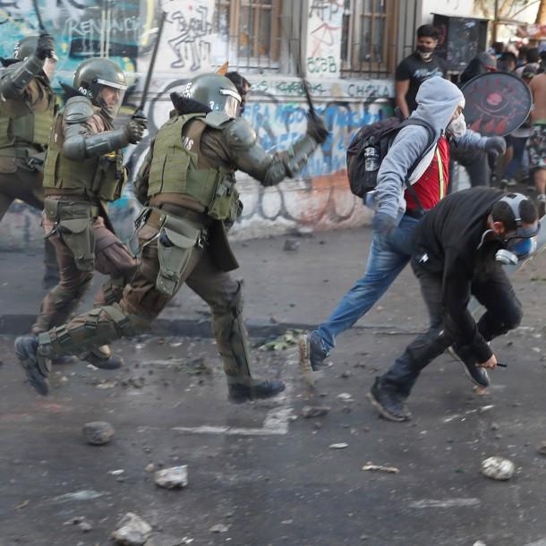 Informe de Amnistía Internacional en Chile: Autoridades deben cesar la represión de manera urgente