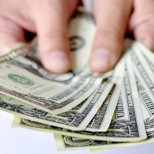 Dólar cierra bordeando los $800 este viernes 22 de noviembre