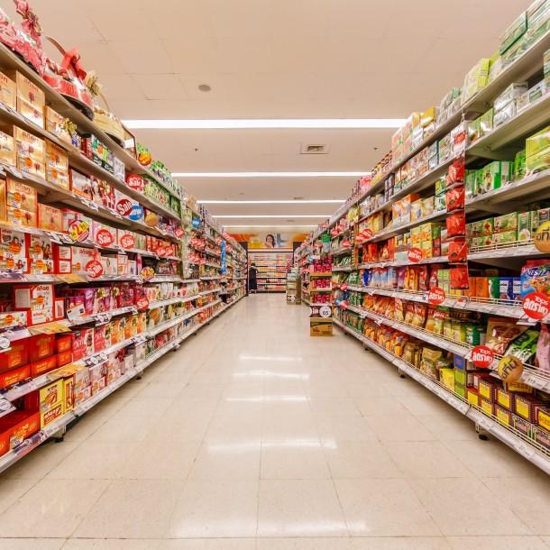 Supermercados mantienen horarios diferenciados: Revisa la hora de cierre de las principales cadenas
