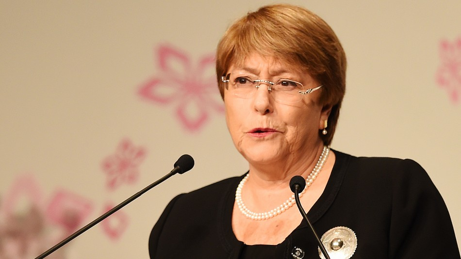 China acusa a Michelle Bachelet de interferencia