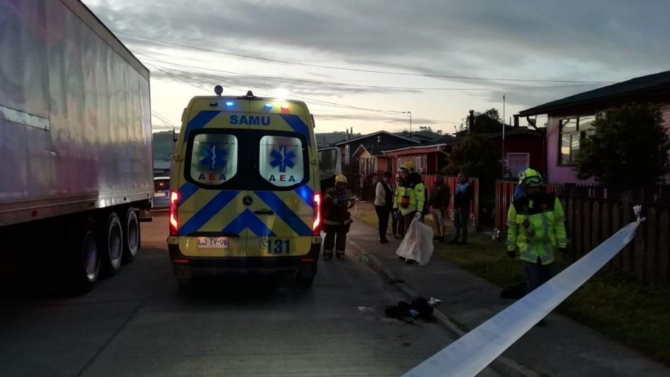 Presunto femicidio en Chiloé: Mujer fue encontrada en la vía pública tras ser apuñalada