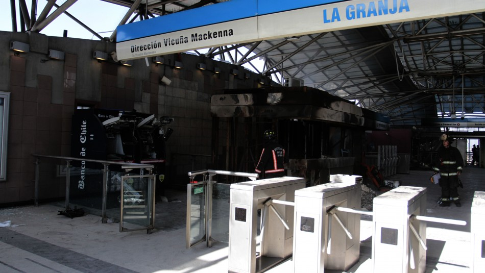 Decretan prisión preventiva para acusado de dañar e incendiar estación de Metro La Granja