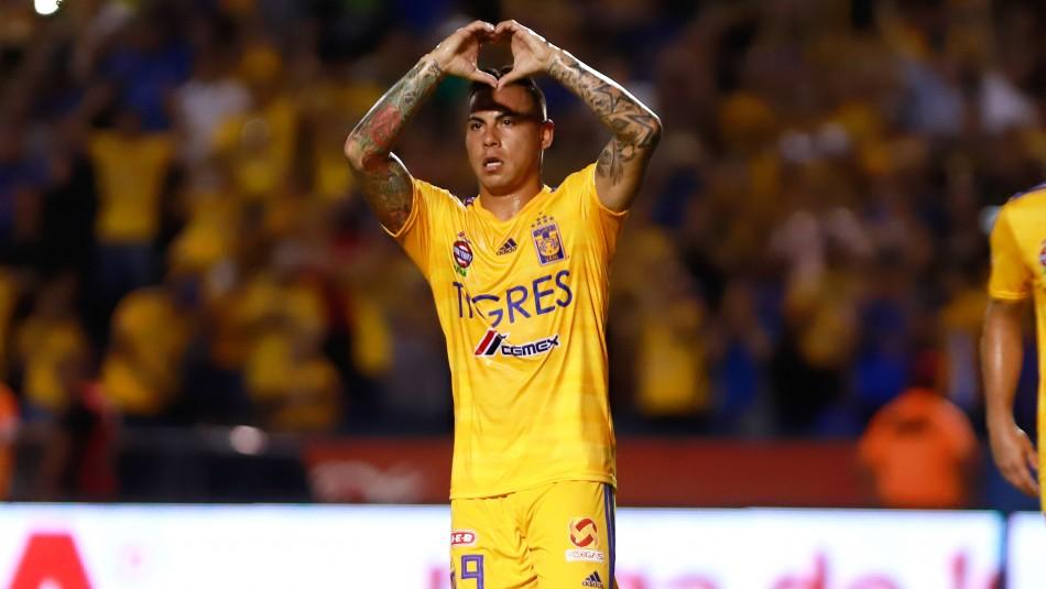 Tras lograr cinco títulos en México: Tigres declara transferible a Eduardo Vargas