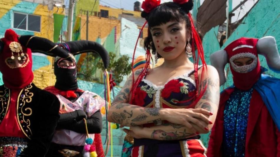 Mon Laferte libera el videoclip de su canción Plata Ta Tá