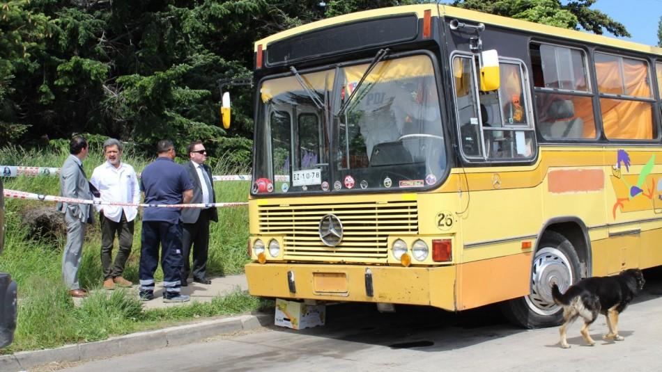 Encuentran dos personas fallecidas al interior de un bus estacionado en Coyhaique