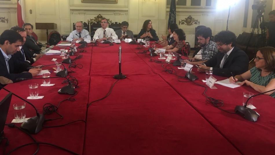 Mesa técnica llega a acuerdo para proceso constituyente: Cuotas quedan fuera de la discusión