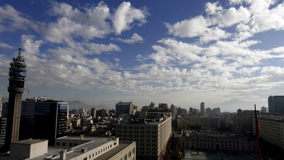 Santiago parcialmente nublado pero caluroso: Revisa el pronóstico del tiempo
