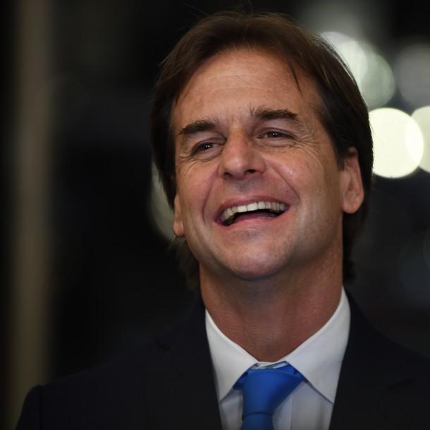 Luis Lacalle Pou: La vida del nuevo Presidente surfista de Uruguay