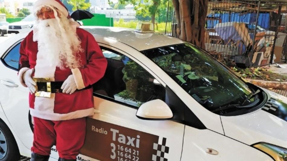 Armando, el taxista que se viste de Viejito Pascuero y regala sonrisas a los niños pobres en México