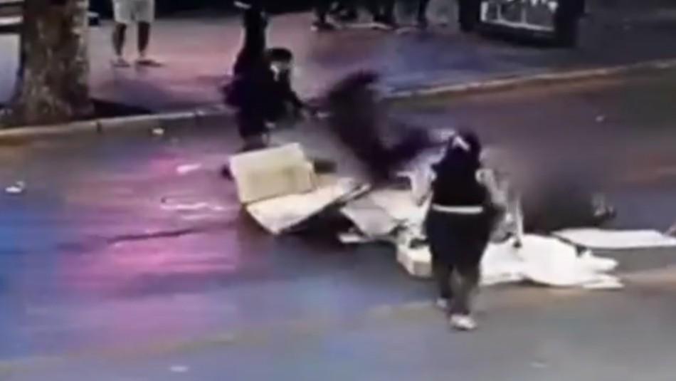 Video muestra fuerte golpe que recibió hombre durante manifestación en Providencia