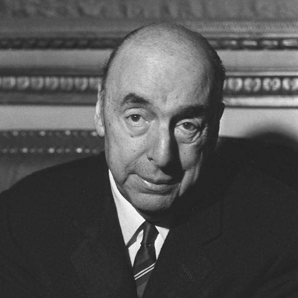 Desconocidos robaron 27 libros de la Colección Pablo Neruda desde la Universidad de Chile