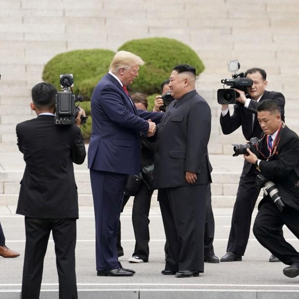 Donald Trump advierte que Kim Jong Un tiene