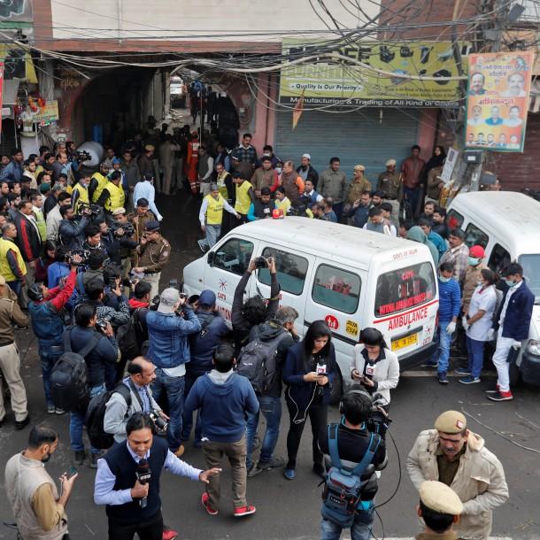 Al menos 43 muertos deja un incendio de una fábrica en India