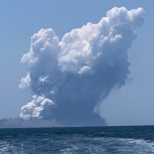 Al menos 20 personas resultaron heridas tras erupción de volcán en Nueva Zelanda