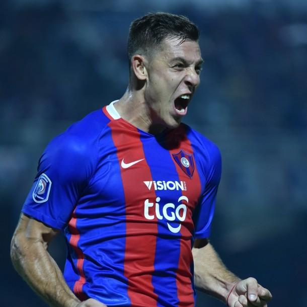 Colo Colo busca goleador: Diego Churín aparece en carpeta alba para la temporada 2020
