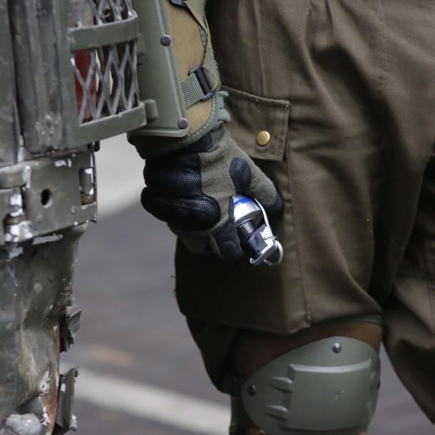 Joven de 15 años permanece grave tras recibir impacto de bomba lacrimógena