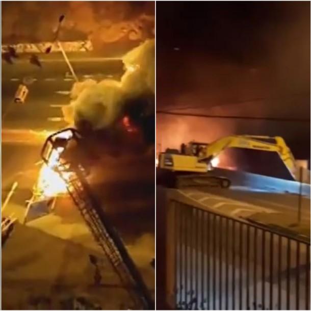 Roban pala excavadora destruyendo luminaria pública y quemándola en ruta a Viña del Mar