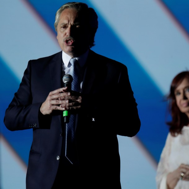 Nuevo Presidente de Argentina aumenta impuestos a exportaciones agrícolas