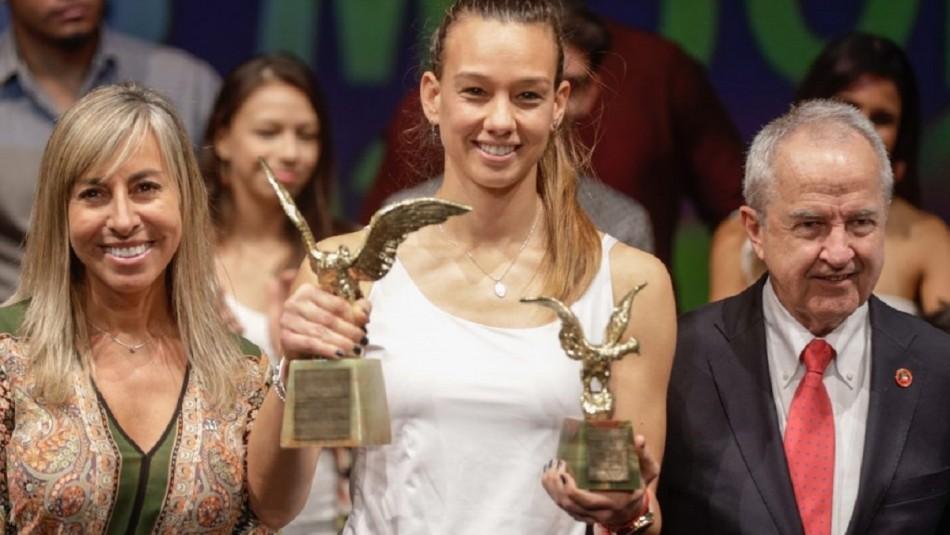 """Christiane Endler tras galardón: """"Jamás pensé que este premio se lo dieran a una futbolista femenina"""" - Meganoticias"""