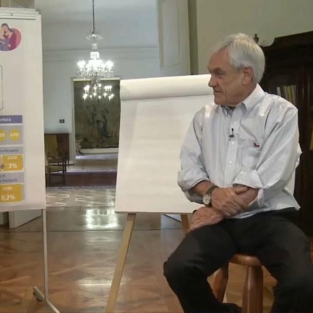 Piñera y ministra Zaldívar explicaron reforma de pensiones por Facebook