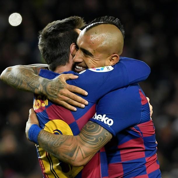 Gran pase gol de Vidal: Barcelona derrotó a Granada y sigue en la cima junto al Real Madrid