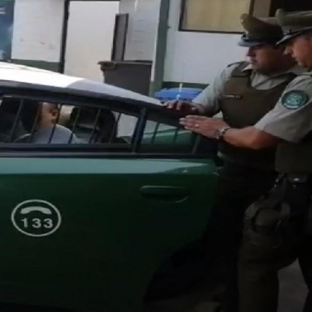 Detienen a hombre acusado de golpear y rociar con líquido combustible a su expareja