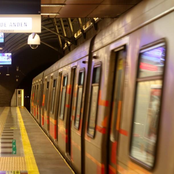 Metro suspende servicio y cierra estación Plaza de Puente Alto