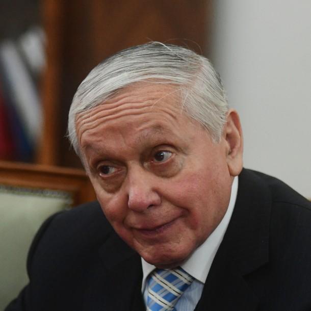 Obispo Durán sufre millonario robo en su casa de Isla de Maipo