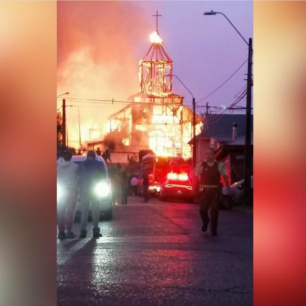 Así era la iglesia San Francisco de Ancud antes de ser consumida por incendio