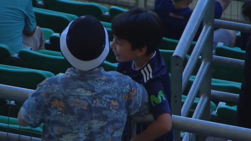 Rivales, no enemigos: La tierna imagen que protagonizaron dos niños de la U y Colo Colo