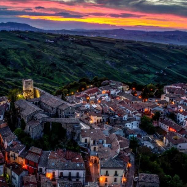 Bisaccia: Nuevo pueblo de Italia que vende casas por 1 Euro sin exigir mínimo de inversión