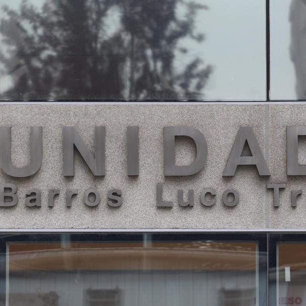 Colegio Médico denuncia que médicos del H. Barros Luco operaron con linternas por corte de luz