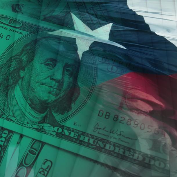 Dólar cierra al alza y anota un aumento de $5 en la semana