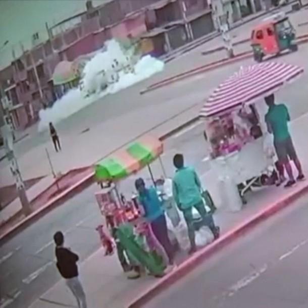 6 muertos y 50 heridos por explosión de camión de gas en Lima