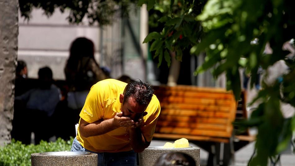 Nueva ola de calor en Santiago traerá máximas de 34° durante el fin de semana