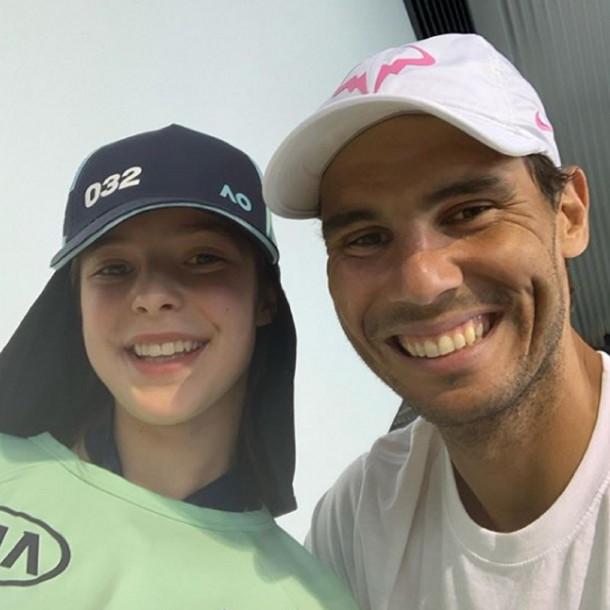 Rafael Nadal se reunió con familia de recogepelotas que