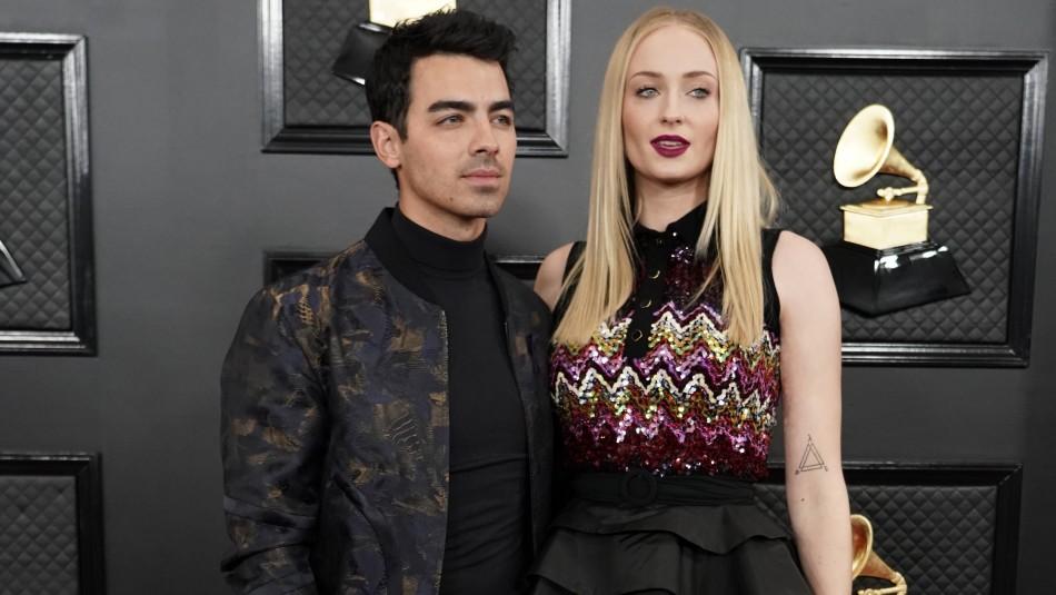 Joe Jonas y Sophie Turner apostaron por looks