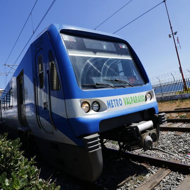 Emergencia obliga a realizar evacuación de trenes en Metro de Valparaíso