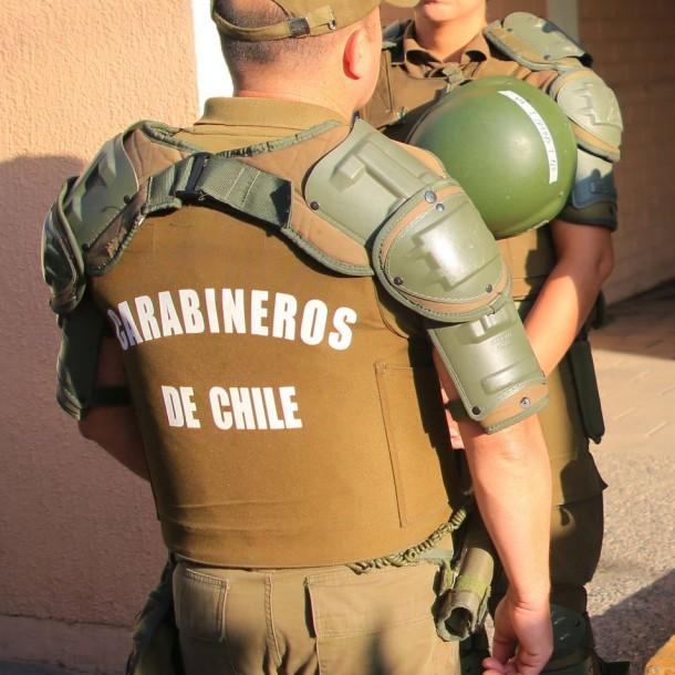 Detienen a sujeto que ingresaba con arma a fogueo a local de rendición PSU