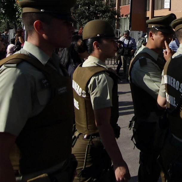 Sede de la PSU: Usuarios de redes sociales denuncian retraso en ingreso a colegio de San Bernardo