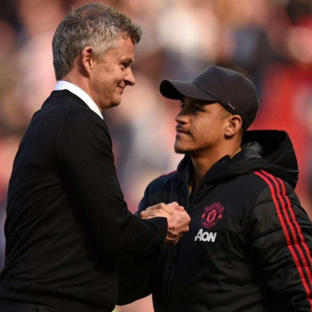 Técnico de Manchester United confirma regreso de Alexis: