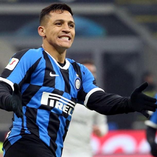 Alexis Sánchez jugó 66 minutos en triunfo y clasificación del Inter a semis de Copa Italia