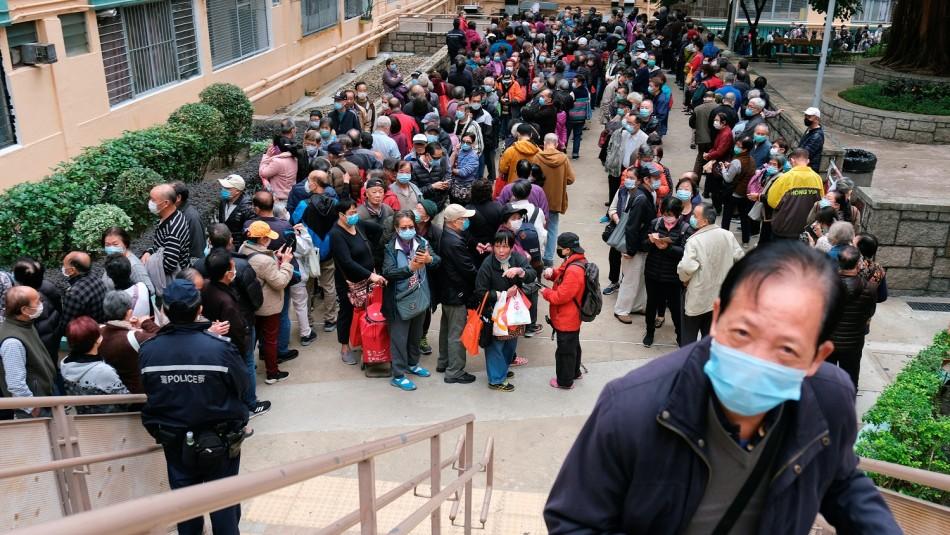 Levantan cuarentena a miles de personas confinadas en un barco en Hong Kong