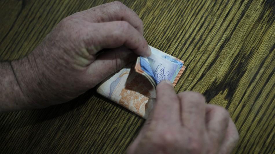 Sueldo mínimo subirá en marzo: Llegará hasta los $319 mil brutos