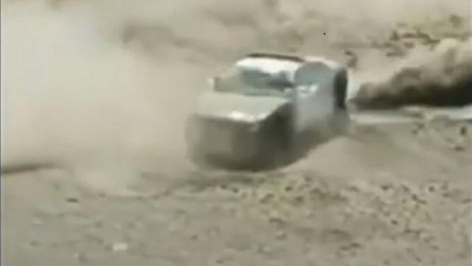 El viralizado video de un auto de Carabineros derrapando en el sur del país