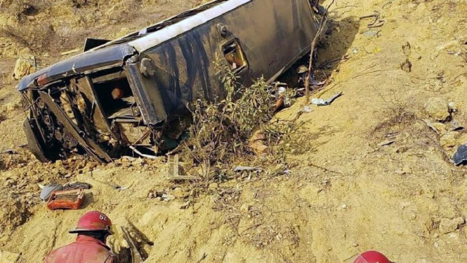Ocho hinchas de Barcelona de Ecuador mueren en accidente carretero en Perú