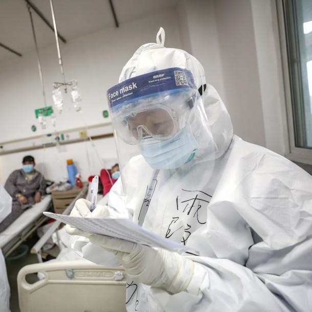 Tres menores de edad y un bebé de 8 meses: Evacuarán a 14 argentinos de China por el coronavirus