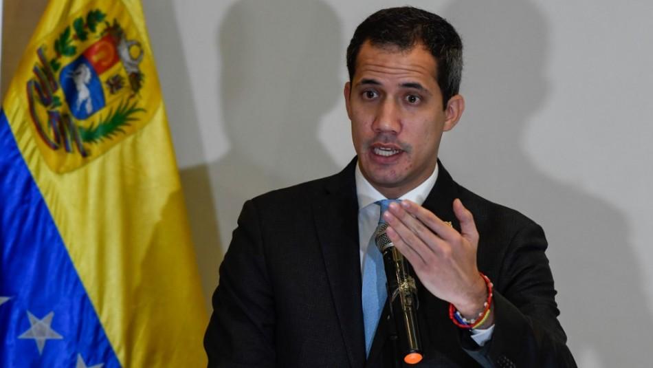 Guaidó dice que militares pueden hacer menos traumático