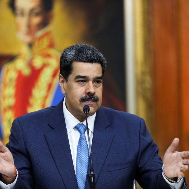 Maduro suspende operaciones de la aerolínea en la que Guaidó regresó a Venezuela